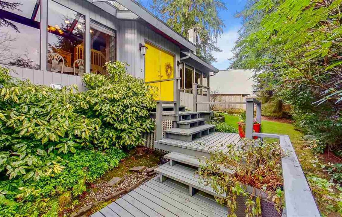 880 Washington Drive, College Park PM, Port Moody